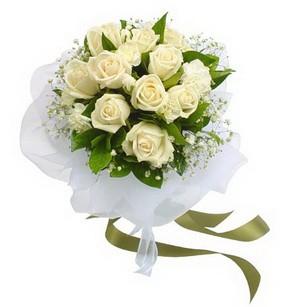 Karşıyaka yurtiçi ve yurtdışı çiçek siparişi  11 adet benbeyaz güllerden buket