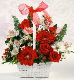Karışık rengarenk mevsim çiçek sepeti  Karşıyaka çiçekçiler