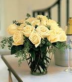 Karşıyaka çiçekçi mağazası  11 adet sari gül mika yada cam vazo tanzim