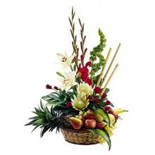 Karşıyaka hediye çiçek yolla  mevsim sepeti ve çiçekler