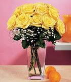 Karşıyaka çiçek siparişi sitesi  9 adet sari güllerden cam yada mika vazo