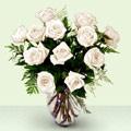 Karşıyaka 14 şubat sevgililer günü çiçek  beyaz güller cam yada mika vazo