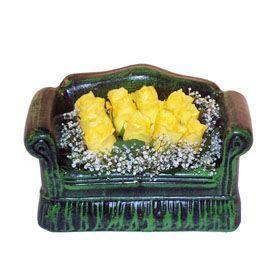 Seramik koltuk 12 sari gül   Karşıyaka çiçek , çiçekçi , çiçekçilik