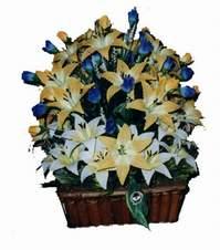 yapay karisik çiçek sepeti   Karşıyaka çiçek yolla