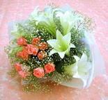 Karşıyaka çiçek gönderme sitemiz güvenlidir  lilyum ve 7 adet gül buket