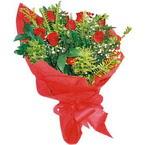 10 adet kirmizi gül buketi  Karşıyaka çiçek gönderme sitemiz güvenlidir