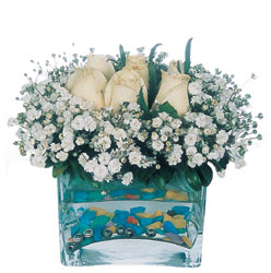 Karşıyaka hediye çiçek yolla  mika yada cam içerisinde 7 adet beyaz gül