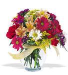 Karşıyaka çiçek satışı  cam yada mika vazo içerisinde karisik kir çiçekleri