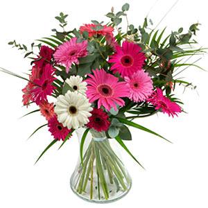 15 adet gerbera ve vazo çiçek tanzimi  Karşıyaka çiçek siparişi vermek