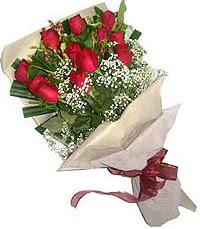 11 adet kirmizi güllerden özel buket  Karşıyaka çiçekçiler