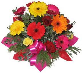 Karisik mevsim çiçeklerinden buket  Karşıyaka anneler günü çiçek yolla
