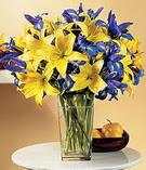 Karşıyaka 14 şubat sevgililer günü çiçek  Lilyum ve mevsim  çiçegi özel