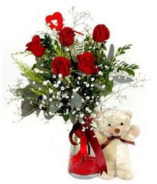 Karşıyaka güvenli kaliteli hızlı çiçek  5 adet kirmizi gül ve pelus ayicik kalp çubuk
