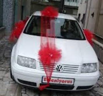 Karşıyaka çiçek , çiçekçi , çiçekçilik  çiçeksiz gelin arabası süslemesi