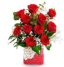 11 adet kırmızı gül vazosu  Karşıyaka online çiçek gönderme sipariş