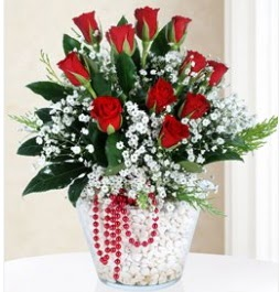 9 adet kırmızı gül cam içerisinde  Karşıyaka çiçek online çiçek siparişi