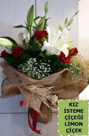 3 dal kazablanka 13 adet kırmızı gül  Karşıyaka İnternetten çiçek siparişi