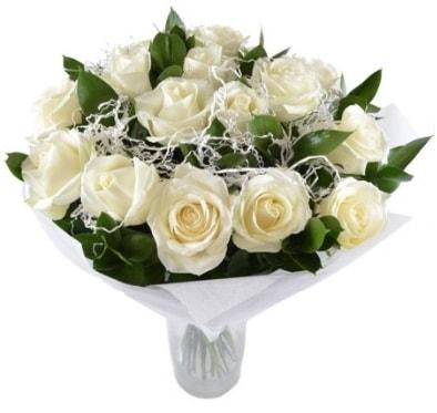 15 beyaz gül buketi sade aşk  Karşıyaka çiçekçi telefonları